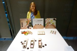 Naomi Jansen has devised a tasty and nutritious way to guide women through their pregnancy: a special range of chocolates. www.chocobombes.nl