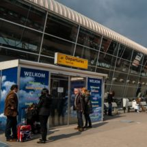 National politicians critical of Airport late landings