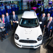 PM Rutte launches production of new Mini Countryman