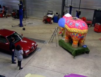 Last push to finish floats for Lampegatse parade
