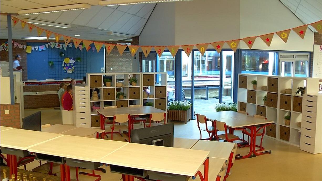 Ikea donates new furniture to onder de wieken primary for Ikea daycare furniture