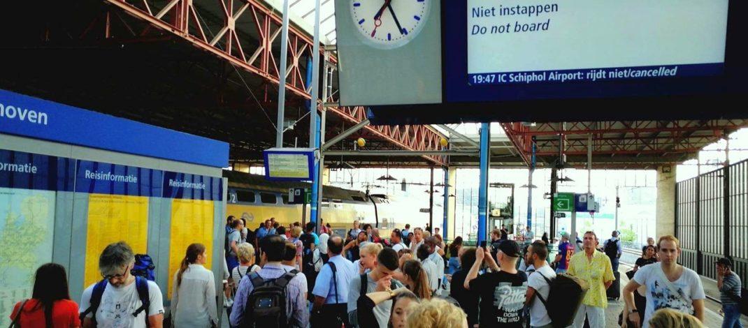 Lightning strike in Den Bosch halts train services