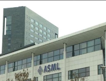 ASML reports boost in sales in profitable third quarter